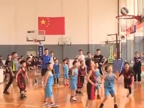 [2019-11-08]南方小记者:2019年广州市青少年篮球联盟成员比赛激情上演