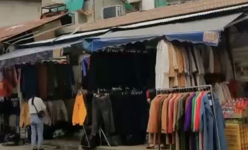 广州批发市场周边交通乱象调查:城中村变身服装批发市场 消防隐患大