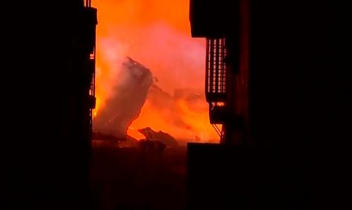 [HD][2019-12-05]今日关注:清远清城:木材厂大火波及邻近3栋民居