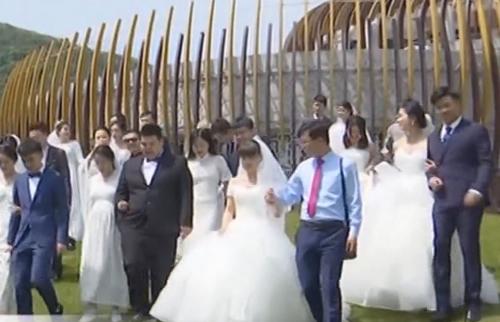 浙江湖州:一場遲到的婚禮 李蘭娟送來祝福