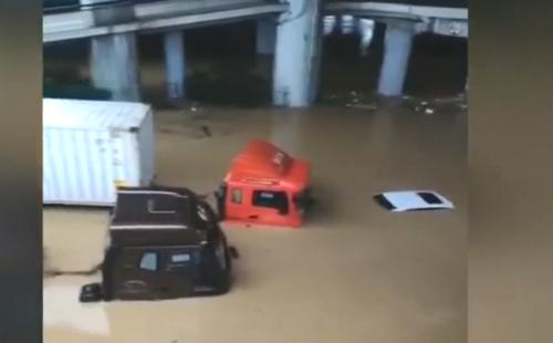 廣州:貨車司機暴雨堵車見義勇為 不幸犧牲