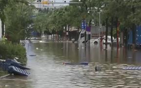 暴雨致雨水倒灌官湖站 广州地铁13号线暂停运营