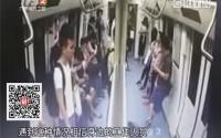 深圳:地铁里一人晕倒 致一车人狂奔