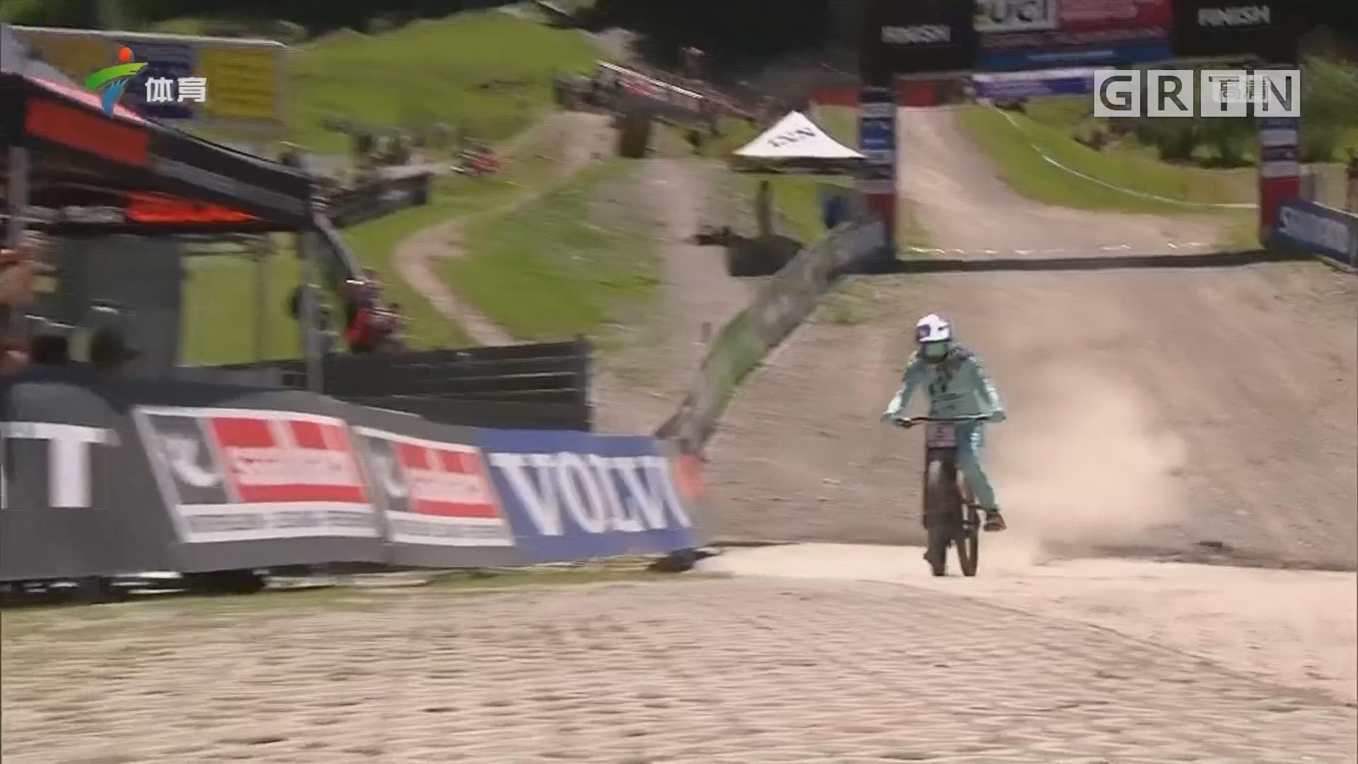 山地自行车世界杯速降赛奥地利站 美国选手格林夺冠