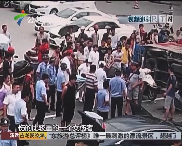 江门:十字路口发生意外 殃及过路车辆