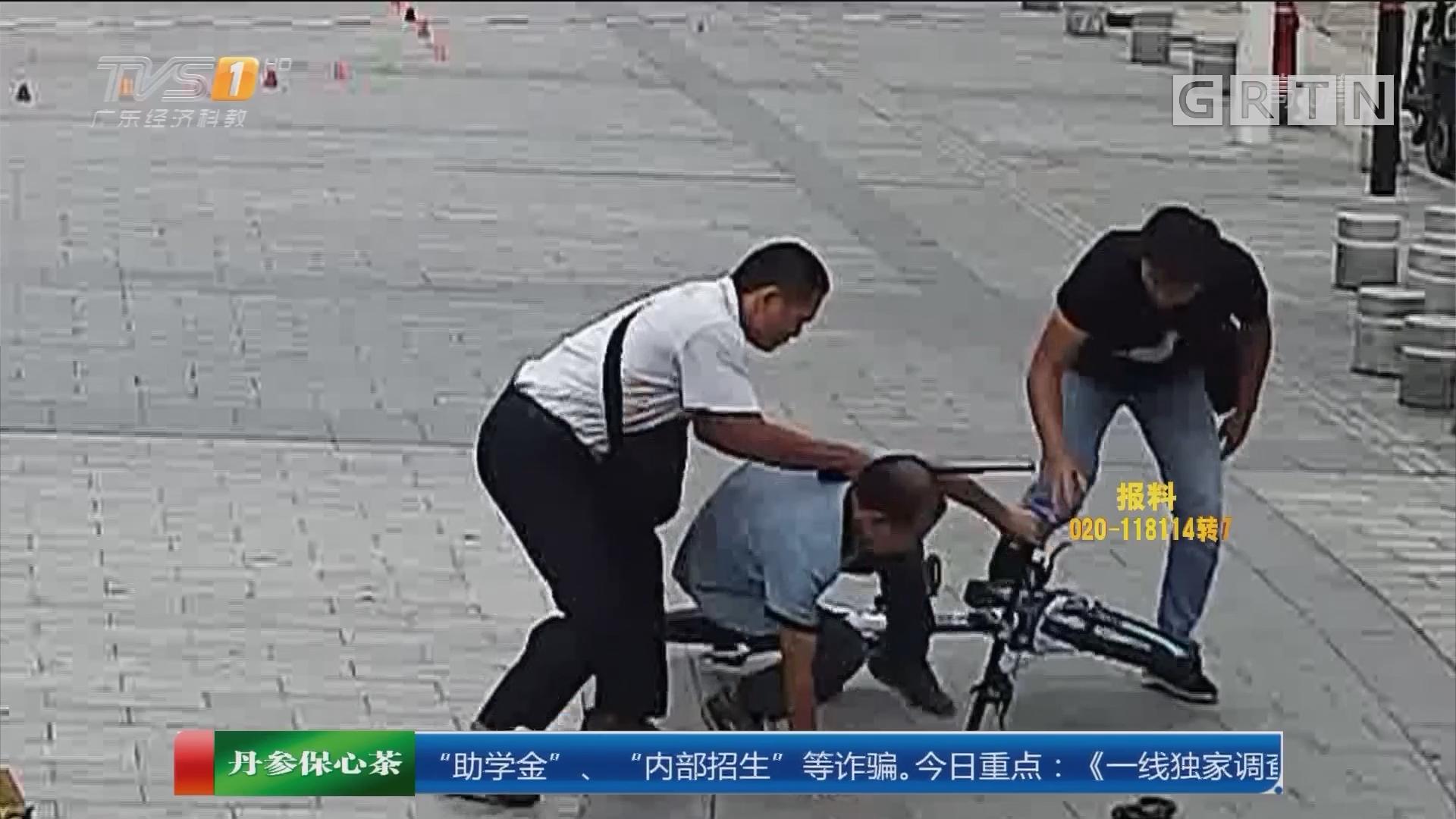 """东莞石龙镇:便衣神速擒惯偷 """"怎么又是你!"""""""