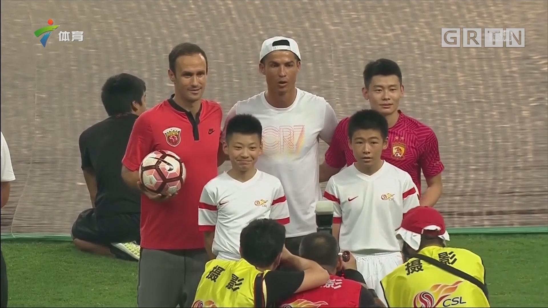 C罗:最热的上海 因为我在这里