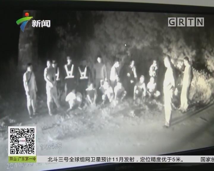 """深圳:墓地深夜频现""""窃窃私语"""""""