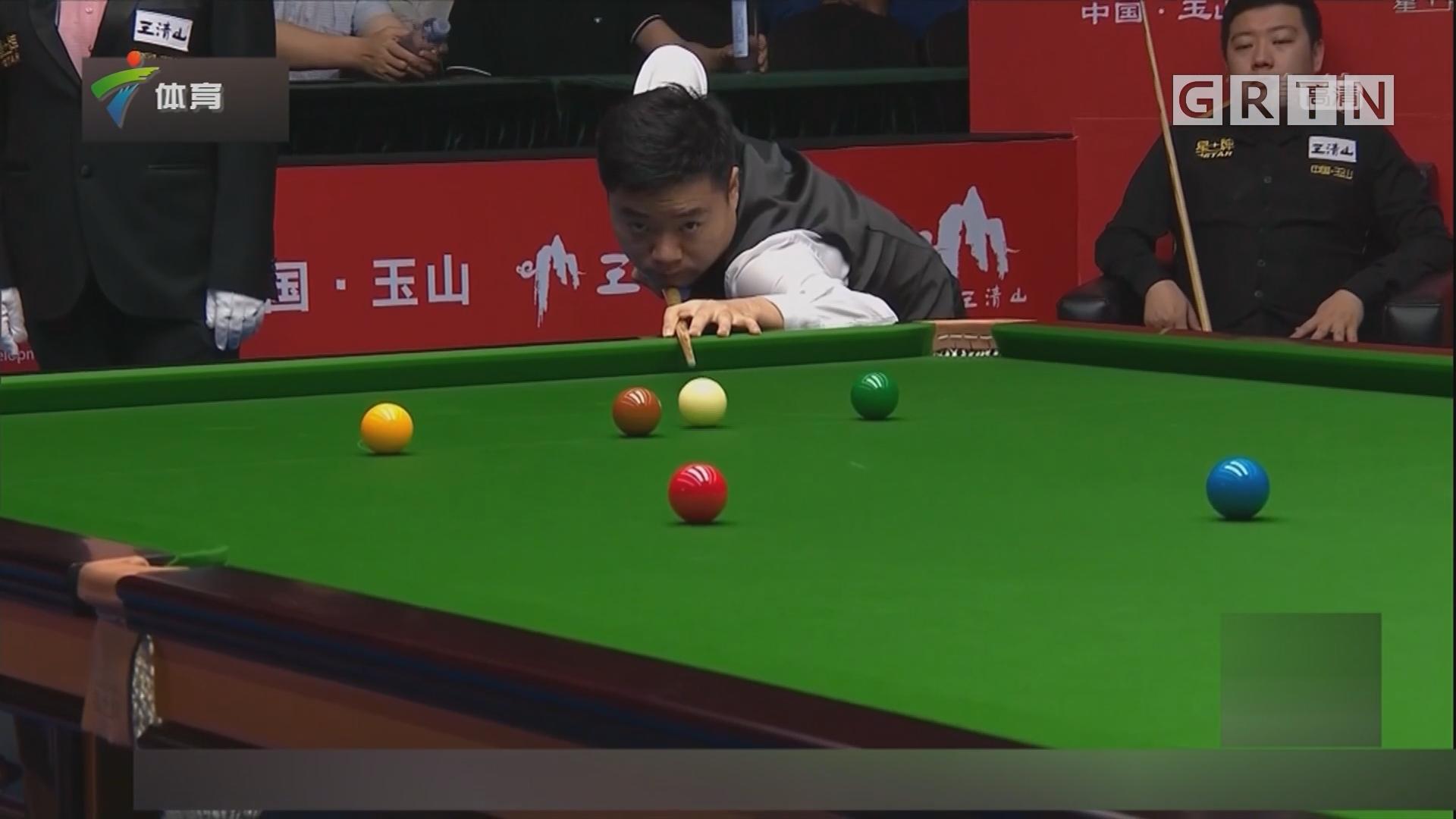 """丁俊晖赢得""""中国德比"""" 晋级斯诺克世界公开赛四强"""