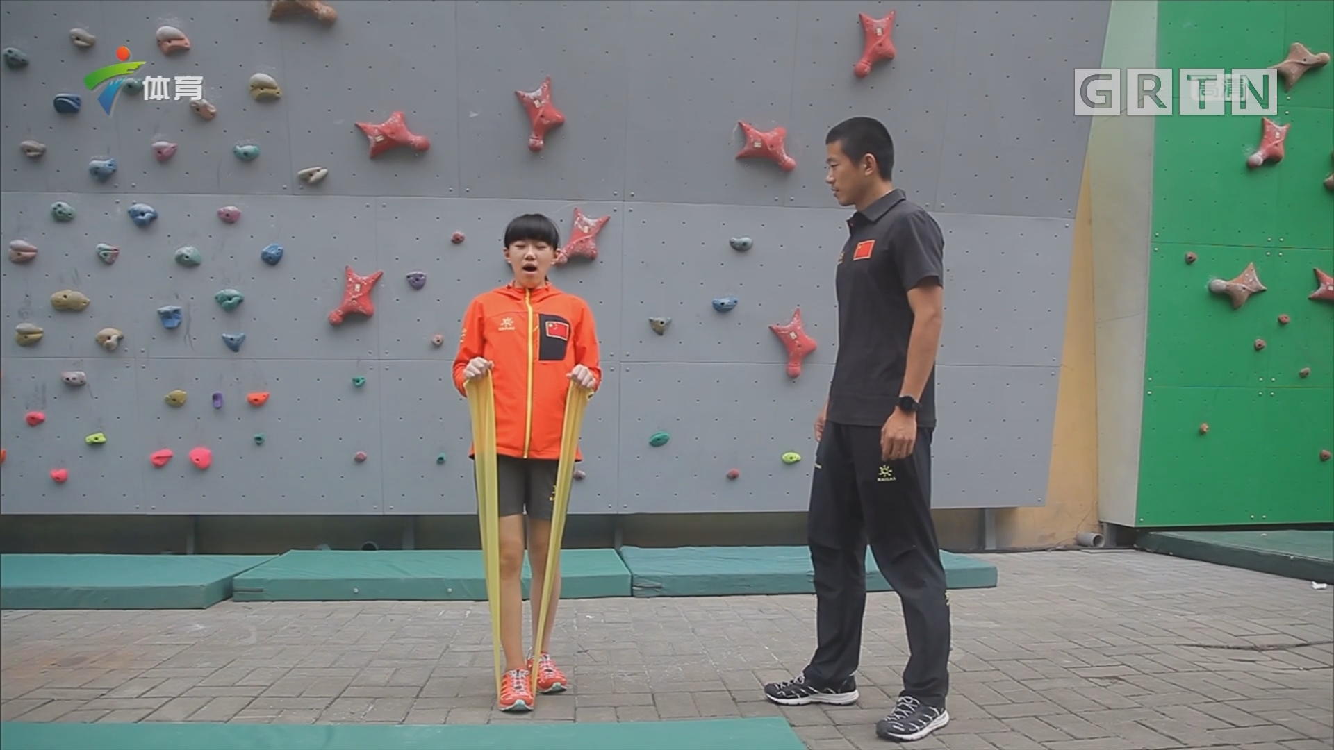 2017中国攀岩公开赛 赛场下的小选手