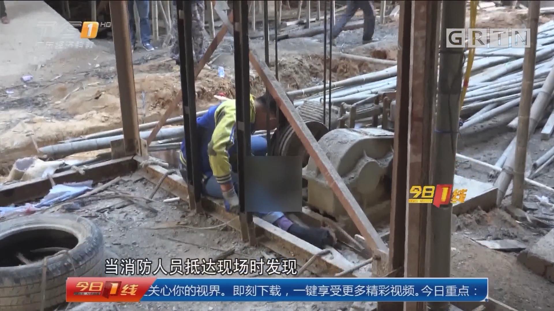 惠东:工地升降机卡手 消防紧急救援