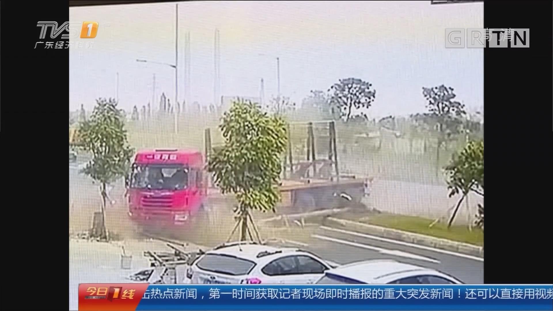 佛山顺德:泥头车失控撞环卫车 众人抬车救五人