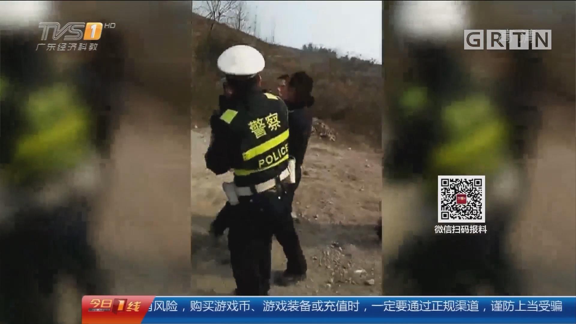 """四川:酒驾还袭警 这对""""好朋友""""真嚣张"""