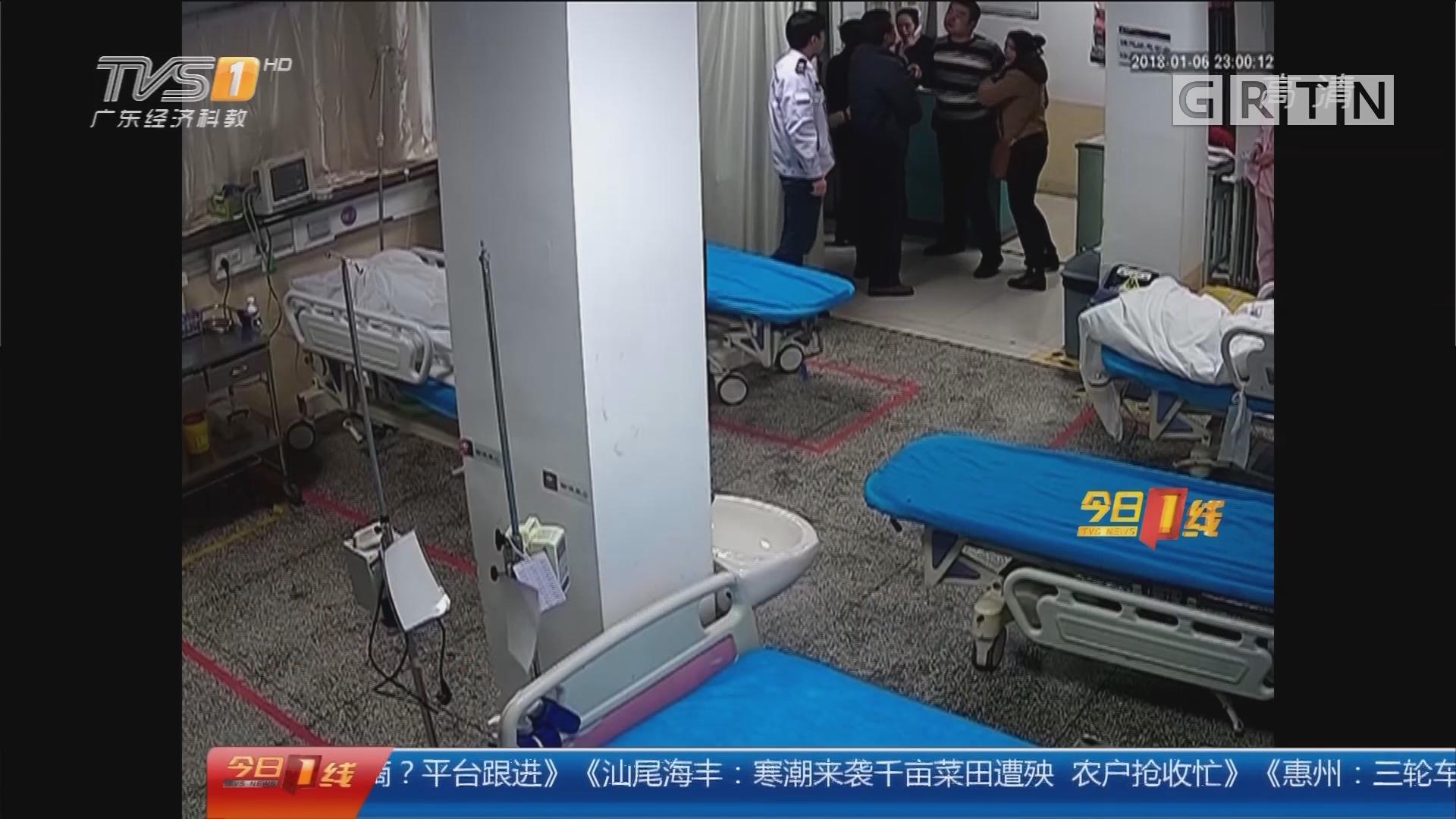 西安:醉酒男夜闯医院 脚踹医生击碎玻璃