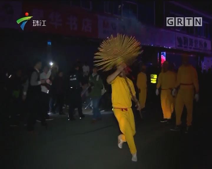 深圳:南澳传承百年民俗 春节舞草龙