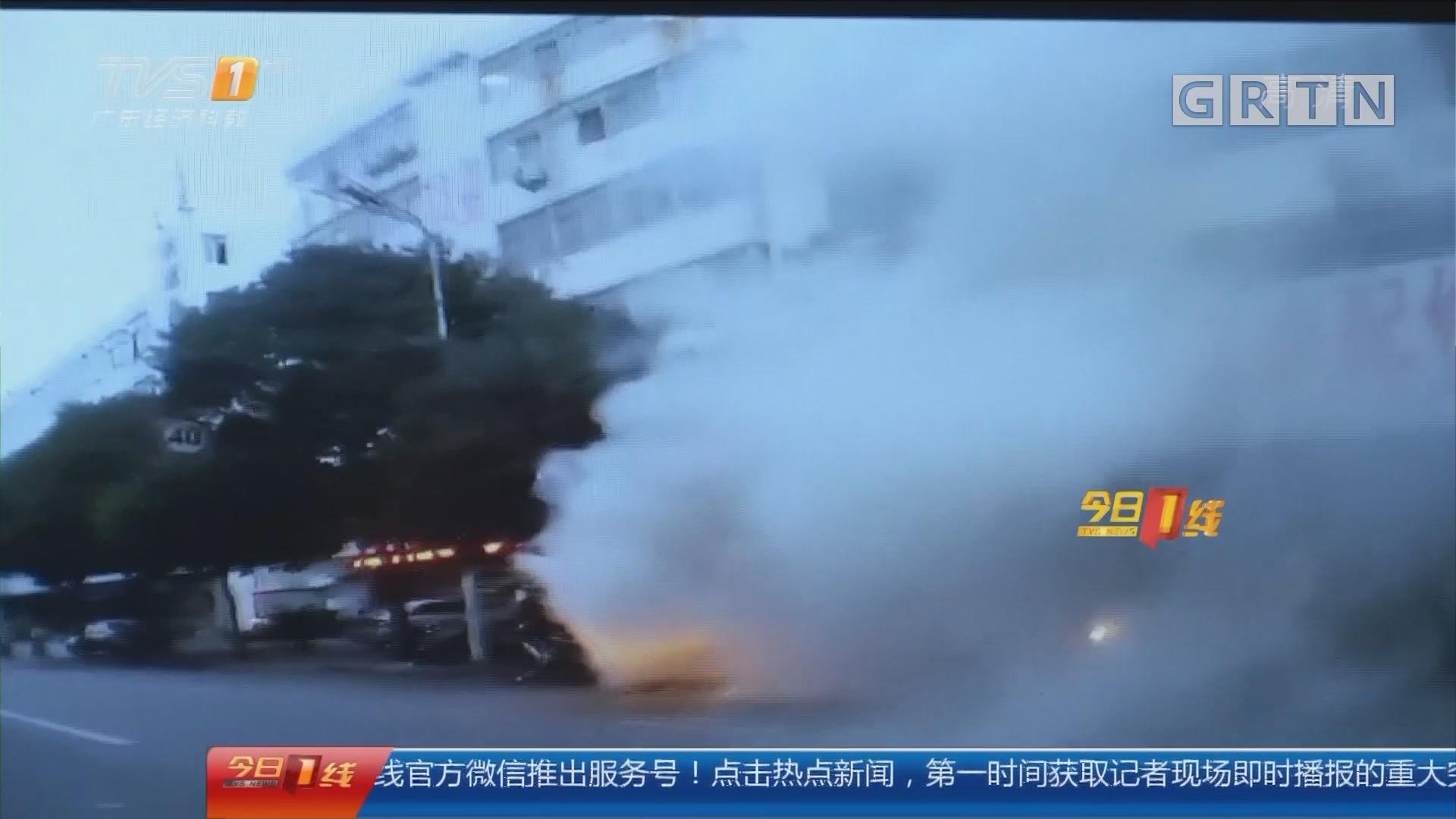 """系列专栏""""温度"""":惠州 烧烤店失火 交警变身消防员救火"""