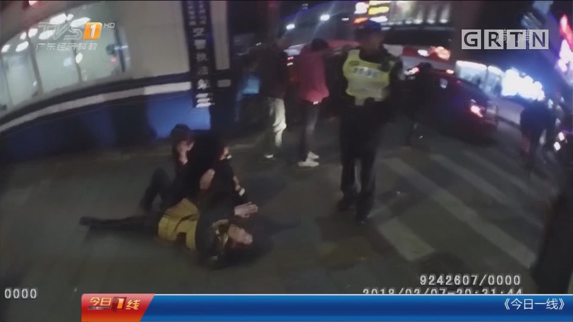 顺德:醉酒女躺路上还袭警 被制服刑拘