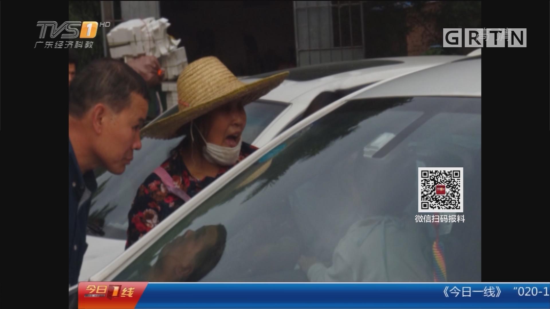 佛山禅城:遗落车匙门被锁 求助消防破窗救娃