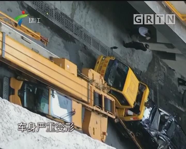 一车辆从中国大酒店4楼停车场坠落 司机身亡