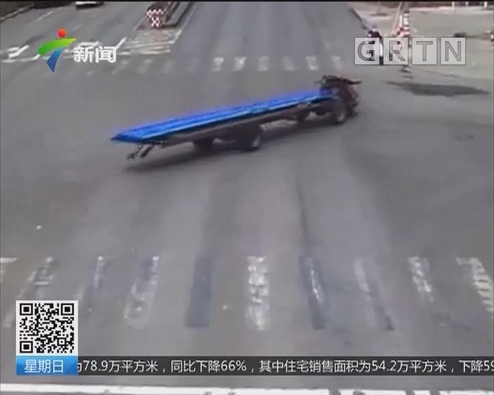 山东兖州:拖拉机无人驾驶撞进商铺
