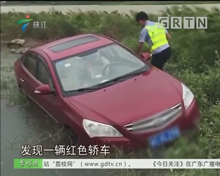 """珠海:台风太猛""""吹""""小车落水?"""