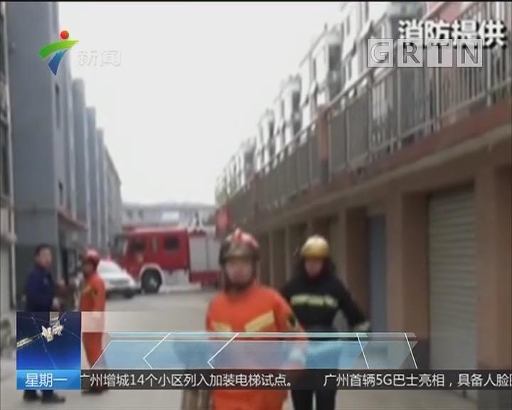 广东:2岁小孩手指被卡插销