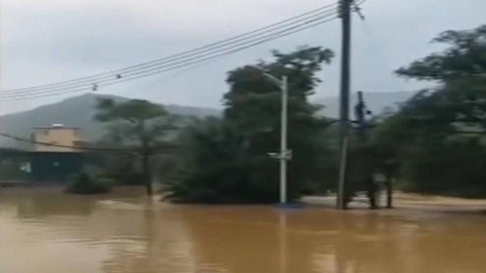 广州:村庄被浸与水库排洪有关? 记者实地调查