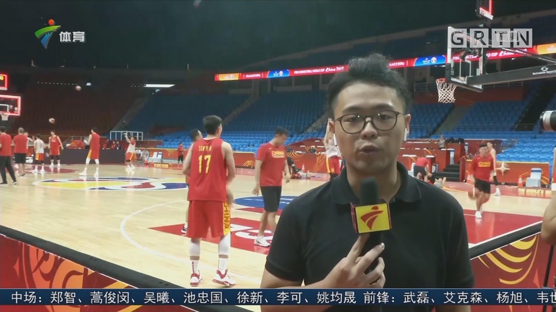现场连线:中国男篮VS尼日利亚