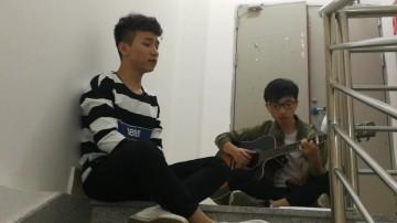 丘存景《吉他弹唱》.mp4