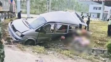 佛山:重型车撞上面包车 涉事司机被控制