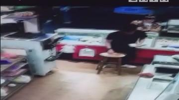 汕尾:市区:商家一晚收到两张百元假钞 疑团伙作案