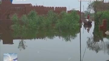 印度:强降雨引发北部山洪致上万人撤离