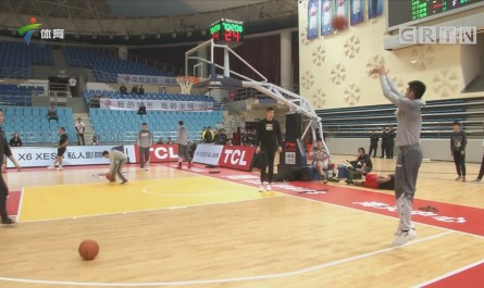 CBA记者现场连线:青岛vs深圳  山东vs龙狮