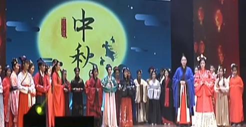 中国传统服装秀走进校园艺术文化节