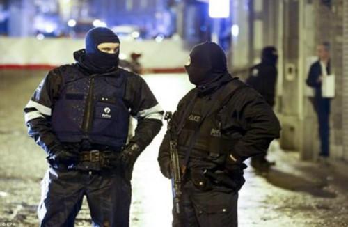 比利时逮捕2嫌犯 涉嫌为巴黎恐袭分子伪造证件
