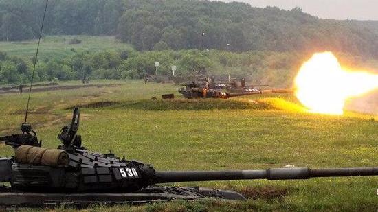 俄军演动用最先进核导弹让