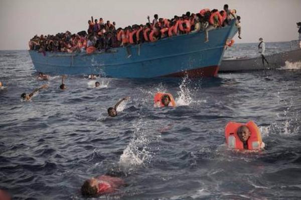 地中海灾黎船出事致200人坠海34人罹难 包罗幼童