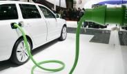 传统汽车产销双降 新能源车逆势增长