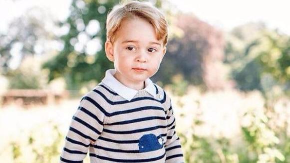 乔治3岁生日收太多礼物 威廉王子:他被宠坏了