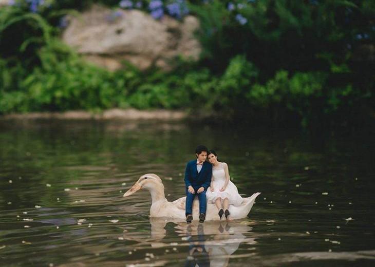 创意十足婚摄作品 微缩版夫妇大冒险