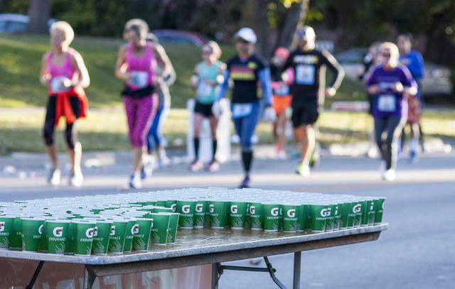 长跑中女性更占优势?科学研究向此结论说不