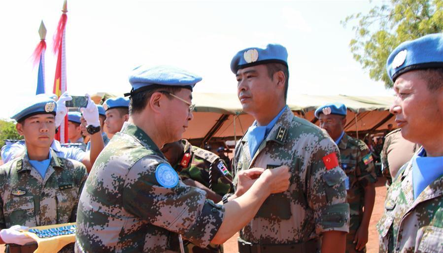 中国赴南苏丹瓦乌维和部队官兵荣获联合国和平荣誉勋章