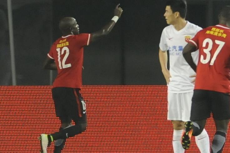 中超-詹姆斯传射乌贾1射2传 辽足3-1逆转上港