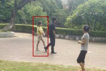 中山4岁女孩在逸仙湖公园被人拐走,幸好家长及时做了这件事……