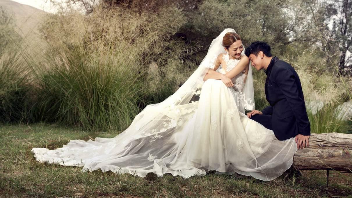 何润东内蒙拍婚纱照 虽遇困难却浪漫
