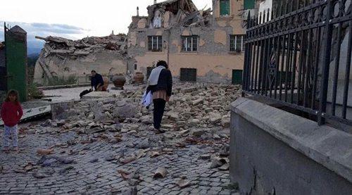 意大利地震已致247人遇难 尚无中国公民伤亡情况报告