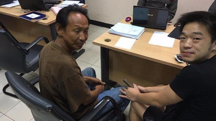 泰国流浪汉拾金不昧 失主为其提供工作和公寓
