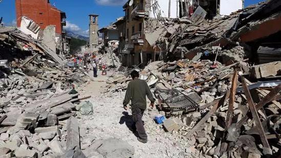 意地震伤亡惨重或因豆腐渣工程 承包商恐遭诉讼