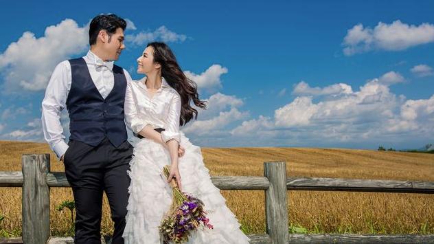 陈怡蓉在薰衣草地拍婚照 披透视白纱秀性感