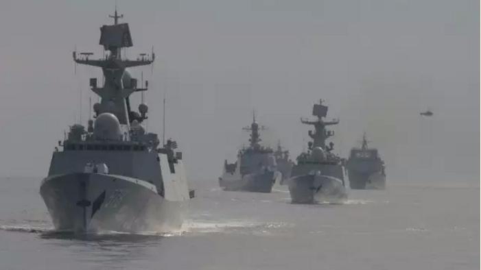 东海舰队远海训练 激烈对抗演习画面曝光